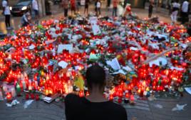 התייחדות לאחר הפיגוע בברצלונה