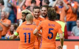 נבחרת הולנד חוגגת