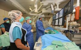 """ניתוח מוח בבית החולים רמב""""ם"""