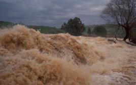 נהר הירדן מוצף