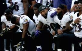 NFL: שחקני בולטימור מוחים נגד טראמפ