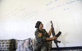 לוחמת של ה-YPG, ארכיון