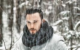 גבר בשלג, אילוסטרציה