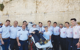 יצחק וובר חוגג בר מצווה בגיל 90