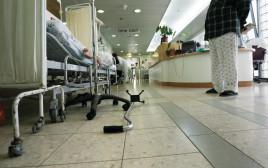 בית חולים ברזילי, עומס חולים במסדרונות