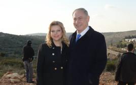 בנימין (במעיל) ושרה נתניהו