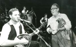 יהודה פוליקר ויעקב גלעד עם אבא שלו