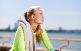 אישה אחרי אימון כושר, אילוסטרציה