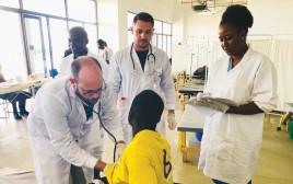 טיפול בחולה בזמביה