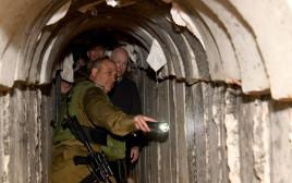 ג'ייסון גרינבלט במנהרת טרור