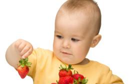תינוק אוכל פירות, אילוסטרציה