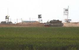 """טנק של צה""""ל סמוך לגבול רצועת עזה"""