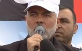 איסמעיל הנייה בהפגנה בגבול רצועת עזה