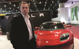 אילון מאסק ומכונית טסלה
