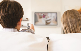 ילדים מול הטלוויזיה