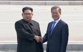 מון ג'יאה אין עם קים ג'ונג און