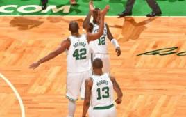 שחקני בוסטון חוגגים