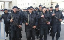 שוטרים פלסטינים במוקטעה ברמאללה