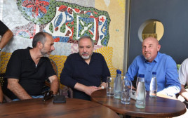 אביגדור ליברמן עם ראש המועצה האזורית גולן ועם ראש מועצת קצרין