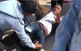 """ח""""כ ג'מאל זחלאקה מופל לקרקע במהלך העימותים"""