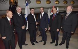 נשיא פרגוואי הורסיו קורטס נחת בישראל