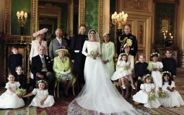 המשפחה המלכותית בתצלום רשמי ראשון
