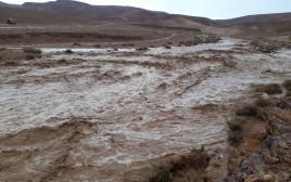 שיטפון בנחל חצצון במדבר יהודה