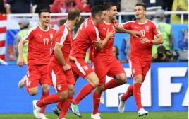 שחקני נבחרת סרביה חוגגים