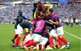 נבחרת צרפת חוגגת
