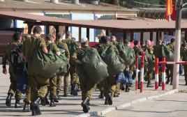"""חיילים בבקו""""ם"""