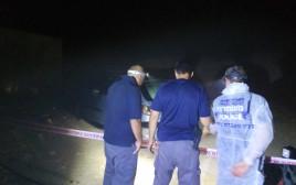 שוטרים בזירת הירי הקטלני בנגב