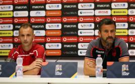 מסיבת העיתונאים של נבחרת אלבניה