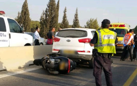 זירת התאונה בה נפגע רוכב אופנוע כבן 30