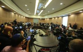 מסיבת עיתונאים, אילוסטרציה