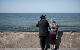 זוג דתיים צעירים, למצולמים אין קשר לנאמר בכתבה