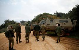 """חיילי צה""""ל בגבול לבנון במהלך מבצע """"מגן צפוני"""""""