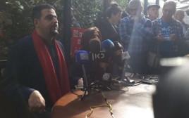 רג'א זעאתרה במסיבת עיתונאים