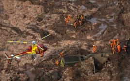 סכר התמוטט בדרום מזרח ברזיל, חשש כבד לחייהם של מאות אנשים שנלכדו תחת הבוץ