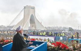 חסן רוחאני בחגיגות ה-40 למהפכה