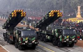 משגרי טילים במצעד צבאי בניו דלהי