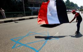 מחאה מול שגרירות ישראל בקהיר, אוגוסט 2011