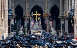 שריפה בקתדרלת נוטרדאם