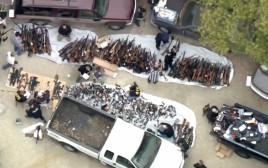 מצבור הנשק שנמצא בבית בלוס אנג'לס