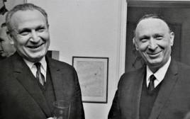 אהרן (מימין) ואפרים קציר
