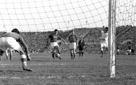 נבחרת ישראל נגד נבחרת ברית המועצות, 1956