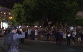 ההפגנה בכיכר רבין נגד ביטול פסטיבל הדוף