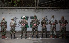חיילים בכלא 4, אילוסטרציה (למצולמים אין קשר לנאמר בכתבה)
