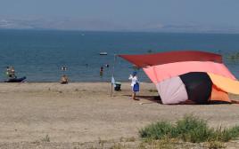 חוף בכינרת