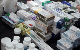 תרופות שמכרו הרופא ובנו