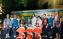 פסטיבל האוכל התאילנדי. במרכז שלי שמיר קינן ופנפרפה ווינגהוביט